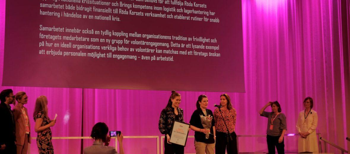Svenska röda Korset och bring får pris i kategorin Årets insamlare 2018 i kategorin företagssamarbete.